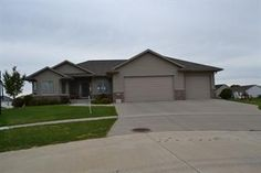 Active Home - 818 Tuscany Ct NE, Cedar Rapids, IA 52402 - Coldwell Banker Hedges Realty