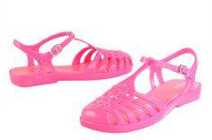 Igor. Botas, cangrejeras y sandalias de #Igor #Botas, #cangrejeras y #sandalias de agua #summer #color #fashion #colección
