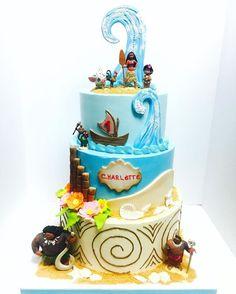 Another Moana Cake Moana Themed Party, Moana Birthday Party, 2 Birthday Cake, Moana Party, Moana Y Maui, Beautiful Cakes, Amazing Cakes, Fete Laurent, Festa Moana Baby