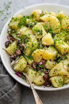 Vegan Potato Salads, Healthy Potatoes, Healthy Salad Recipes, Pasta Recipes, Cooking Recipes, Simple Potato Salad, Potato Salad No Mayo, Healthy Potato Recipes, Mediterranean Potato Recipe