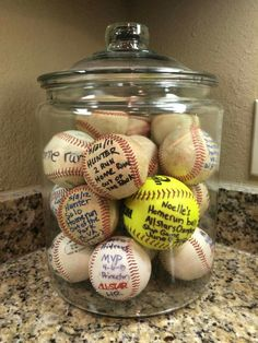 Baseball Moms are so creative! Display your kids homerun baseballs/softballs in a big jar. WAY better than them just being shoved in a drawer or sitting on a shelf! Softball Gifts, Softball Mom, Baseball Mom, Baseball Stuff, Baseball Scores, Baseball Tickets, Baseball Signs, Softball Stuff, Travel Baseball