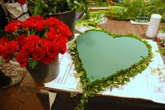 Boquette Flowers, Paper Flowers, Beautiful Flowers, Funeral Floral Arrangements, Flower Arrangements, Grave Decorations, Funeral Flowers, How To Make Wreaths, Flower Crown