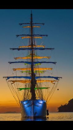 I sail tall ships for a living. This is about places I've worked, boats I want to sail, and stuff I find amusing. Ocean Gif, Old Sailing Ships, Wooden Ship, Yacht Boat, Sail Away, Ship Art, Tall Ships, Model Ships, Water Crafts