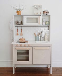 modern ikea play kitchen hack - almost makes perfectYou can find Play kitchens and more on our website.modern ikea play kitchen hack - almost makes perfect Play Kitchen Diy, Ikea Kids Kitchen, Kitchen Decor, Kitchen Modern, Kitchen Hacks, Toddler Kitchen, Ikea Childrens Kitchen, Kitchen Storage, Kitchen Trends