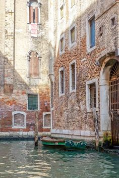 A comprehensive travel guide to backpacking Venice on a Budget with tips on how to save money, cheap places to eat, and top things to do in and around Venice. Italy Travel Tips, Rome Travel, Travel Destinations, Budget Travel, Santa Lucia, European Destination, European Travel, Travel Pictures, Travel Photos