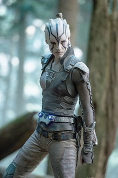 """Cosplay Sofia Boutella plays Jaylah in """"Star Trek Beyond."""" (Kimberley French, Paramount Pictures) - By John Anderson Sofia Boutella, Star Trek 2009, Star Trek Tos, Star Trek Characters, Star Trek Movies, Female Characters, Science Fiction, Star Trek Beyond Jaylah, Feminist Halloween Costumes"""