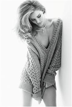 Rosie Huntington-Whiteley.    Very large:  http://pleasurephoto.files.wordpress.com/2012/09/42.jpg