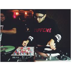 @enfoe and @dopez1200 with some Q & A tonight at Volstead Lounge in Austin TX. #txscratchleague #turntablism #turntablist #realdjs by txscratchleague http://ift.tt/1HNGVsC