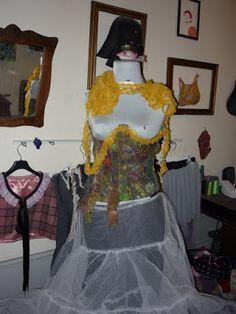 trapos e cacos  corpete , vestido ou coisa assim