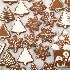 So I was bored tonight and decided to make a few gingerbread cookies. So I was bored tonight and decided to make a few gingerbread cookies. Christmas Jam, Christmas Biscuits, Christmas Cupcakes, Christmas Sweets, Christmas Gingerbread, Christmas Baking, Xmas, Gingerbread Decorations, Gingerbread Man Cookies