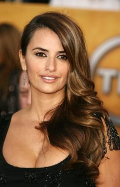 #Penelope #Cruz #Italian #Food Joy loves her #style www.italianfoodjo... for UK and EU www.italianfoodjo... Fur Deutschland und Österreich.