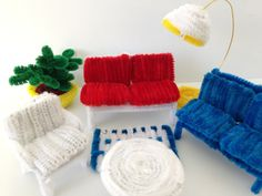 How to make a pipe cleaner couch for a mini dollhouse