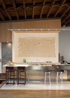 Kitchen At Dana Barnes's loft Via Kind Design Interior Exterior, Kitchen Interior, Interior Architecture, Kitchen Design, Kitchen Decor, Lofts, Soho Loft, Ny Loft, Barn Loft