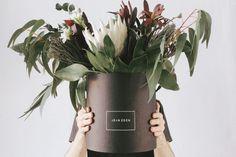 Prostota, prostota, prostota! Proste życie to szczęśliwsze życie. Przestań komplikować, zacznij upraszczać. Sprawdź jak uprościć sobie życie. Flower Boxes, Flowers, Flower Studio, Graphic Design Branding, Greenery, Planter Pots, Lily, Creative, Adobe Photoshop