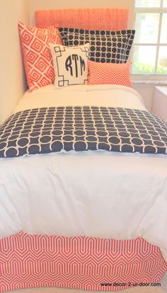coral and navy dorm bedding set..perfect for coordinated looks!
