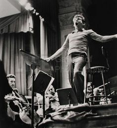 size: Premium Photographic Print: Maestro Leonard Bernstein Conducting the NY Philharmonic Orchestra for a Concert at Carnegie Hall by Alfred Eisenstaedt : Entertainment Old Music, Music Like, Gustav Mahler, Leonard Bernstein, Carnegie Hall, Music Composers, Concert Hall, Conductors, Classical Music