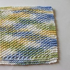 Spring Seed Stitch Dishcloth | Practice the seed stitch with this easy knit dishcloth pattern.