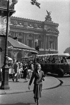 Photo de  Henri Cartier-Bresson. L'Opéra Garnier à Paris.