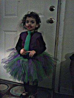 Girls joker tutu costume Halloween Tutu Costumes, Halloween Make, Halloween Ideas, Costume Ideas, Running Costumes, Joker, Tulle, Cosplay, Superhero