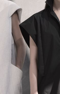 ZAID AFFAS is a luxury designer fashion brand, focusing on womenswear. Fashion Details, Look Fashion, New Fashion, Fashion Design, Fashion Trends, Minimal Chic, Minimal Fashion, Style Minimaliste, Ss 15