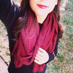 All bundled up in this cozy Red and Black Houndstooth scarf today! | available in the #sandyseaturtle Etsy shop, tonight! #red #black #houndstooth #etsy #getsandy #scarf #fall #winter #brr #blanketscarf #style #ootd