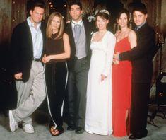 Loved the trip to London! Friends Moments, Friends Tv, Friends Forever, The Cast Of Friends, Monica Gellar, Joey Tribbiani, Phoebe Buffay, Friends Season