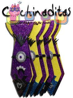 En Cochinaditas también puedes encontrar a los minions y llevar toda la diversión a tu fiesta... #DiversionAlMaximo Corbatas de foami modelo Minions
