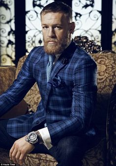 Just days before UFC champion Conor McGregor faces off against rival and professional smack talker Nate Diaz, Haute Time landed an exclusive interview with the Irish native to find out what makes him tick. Conor Mcgregor Costume, Conor Mcgregor Haircut, Conor Mcgregor Suit, Mcgregor Suits, Conner Mcgregor, Conor Mcgregor Fashion, Nate Diaz, Floyd Mayweather, Dj Khaled