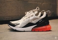 The Nike Air Max 270 reappears in a new colorway, and it looks gorgeous. Designed with everyday wear in mind, the Air Max 270 features heavy inspiration from early models, it has a fully-exposed heel air unit for maximum cushion comfort, a n Nike Free Runners, Nike Free Shoes, Running Shoes Nike, Air Max Sneakers, Nike Air Max, Baskets, Sneakers Fashion, Dope Fashion, Fashion Trends