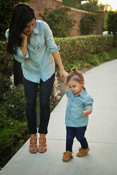Matching mommy + daughter #outfits.
