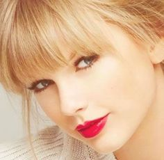 Love her hair and makeup! Taylor Swift Fotos, Taylor Swift Music, Taylor Swift Style, Taylor Swift Pictures, Taylor Alison Swift, Rihanna, Taylor Swift Wallpaper, Selena, Hollywood Celebrities