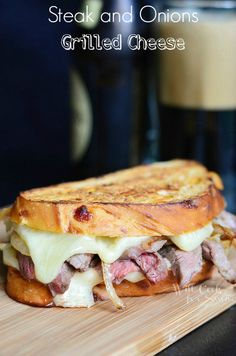 More than 50 yummy Grilled Cheese recipes from around the web! Lots of great ideas! There is something so comforting in a grilled cheese sandwich . Often times, it reminds me of my Grilled Cheese Recipes, Beef Recipes, Cooking Recipes, Grilled Cheeses, Burger Recipes, Grilled Sandwich Recipe, Easy Cooking, Cooking Tips, Recipies