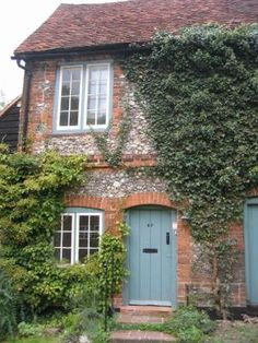 such a lovely National Trust cottage!!!