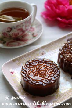椰糖燕菜月饼