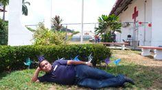 El Director Nacional de Cruz Roja de la Juventud Isaac Mora tomando un descanzo.