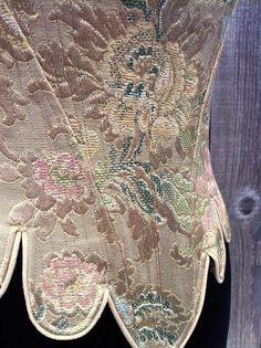 c. 1660 Cavalier Moliere Corset in a Gold por PeriodCorsets