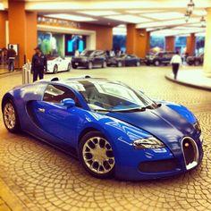Bugatti Veyron (Blue)
