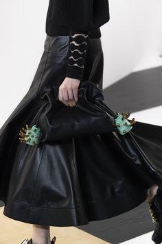 Loewe at Paris Fashion Week Fall 2020 - Details Runway Photos Edgy Shoes, Loewe, Leather Skirt, Runway, Shoe Bag, Detail, Skirts, Paris Fashion, Dresses
