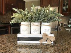 Black and white striped Mason jar centerpiece with greenery – The Rustic Peach Mason Jar Kitchen, Mason Jar Diy, Diy Hanging Shelves, Mason Jar Centerpieces, Silk Flower Arrangements, Vintage Kitchen Decor, Wine Bottle Crafts, Flower Crafts, Greenery