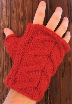 Free Knitting Pattern - Fingerless Gloves & Mitts: Men's Stag Horn Holiday Mitts