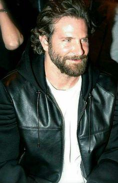 Brad Cooper, Hottest Male Celebrities, Celebs, A Star Is Born, Ryan Gosling, American Actors, Lady Gaga, Pretty Boys, Gorgeous Men