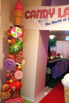 Chakoda Design *'s Birthday / Willy Wonka & Candyland - Photo Gallery at Catch My Party Candy Theme Birthday Party, Candy Land Theme, Candy Party, 1st Birthday Parties, Gingerbread Christmas Decor, Candy Land Christmas, Christmas Crafts, Xmas, Gingerbread Houses