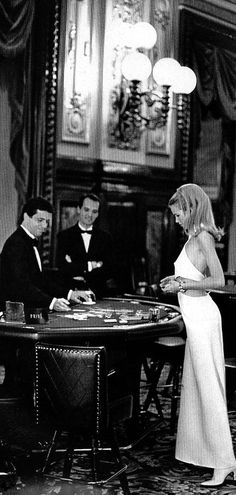 Blackjack | Card Counting | 21 | Casinos | Gaming | LuckBeALady | Rosamaria G Frangini