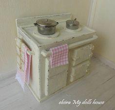 Cream Agastyle Stove Dollhouse Miniature 112 by ElviraDollsHouse, €40.00