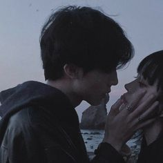 Read 🐯 Phần 85 🐯 from the story [ Avatar Couple ] by Fidelma_ (gió. Photo Couple, Love Couple, Couple Goals, Couple Ulzzang, Ulzzang Girl, Cute Relationship Goals, Cute Relationships, Couple Relationship, Grunge Couple