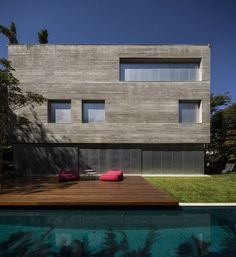 Casa Cubo by Studio MK27 | HomeDSGN, a daily source for inspiration and fresh ideas on interior design and home decoration.