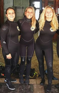 Three cute girls in wetsuits Scuba Wetsuit, Diving Wetsuits, Triathlon, Scuba Girl, Diving Suit, Womens Wetsuit, Fetish Fashion, One Piece Swimwear, Swimsuits