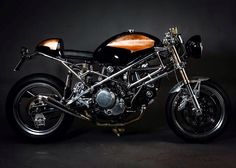 """La Sburona"" , Ducati Monster 600 Special by Bottega Bastarda (via RocketGarage)"