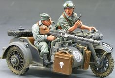 World War II German Army FJ008-07 Fallschirmjager Motorcycle Combo set - Made by King & Country Military Miniatures and Models. Factory made, hand assembled, painted and boxed in a padded decorative box. Excellent gift for the enthusiast.