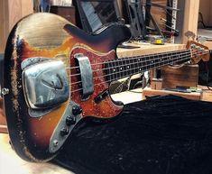 Fender Bass Guitar, Fender Electric Guitar, Guitar Art, Vintage Bass Guitars, Vintage Electric Guitars, I Love Bass, Instruments, Photo Studio, Music Instruments